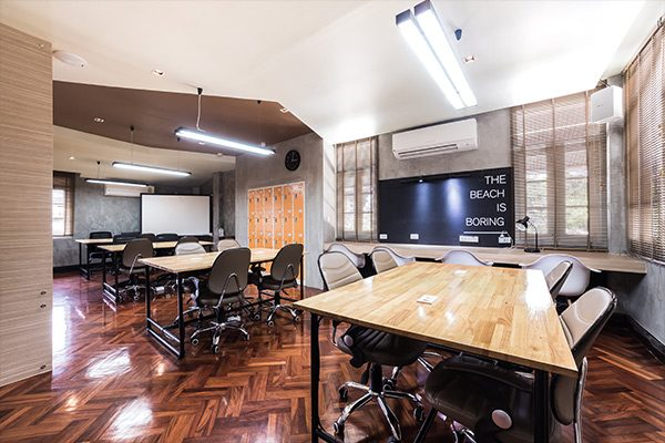 ภาพจาก Maven Mesh Co-Working Space & Cafe'