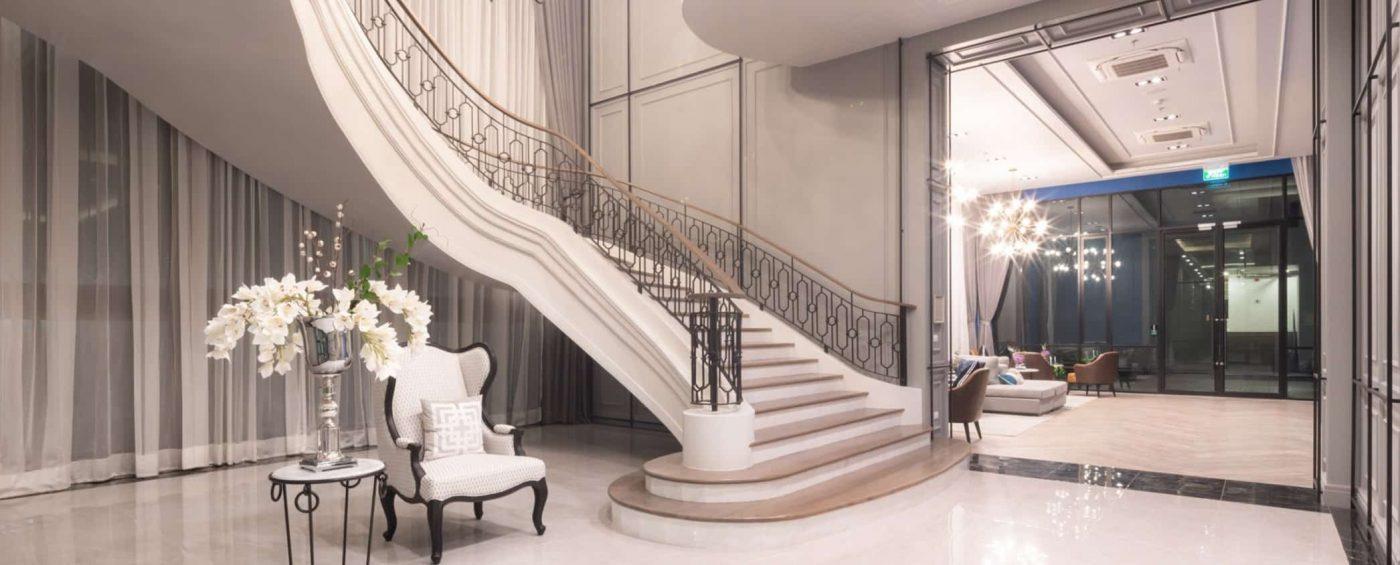 4. Grand Stair บันไดวนสุดคลาสสิค